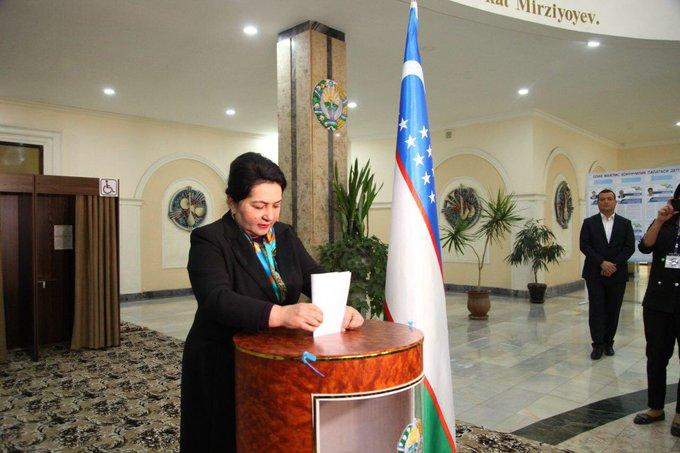 Uzbekistan – fasadowa demokracja?